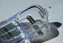 Лампа галогенная, по сути, является существенно модифицированным вариантом лампы накаливания
