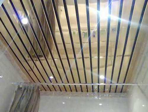 Реечный потолок способен зрительно увеличить пространство