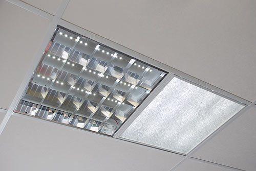 Разные модели светильников для армстронга на потолок