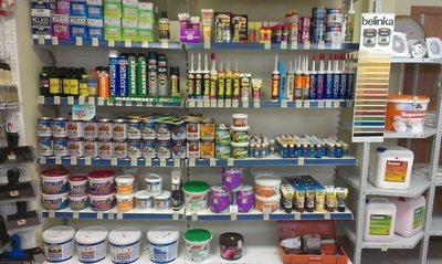 Богатый выбор лакокрасочных материалов в магазинах строительной тематики