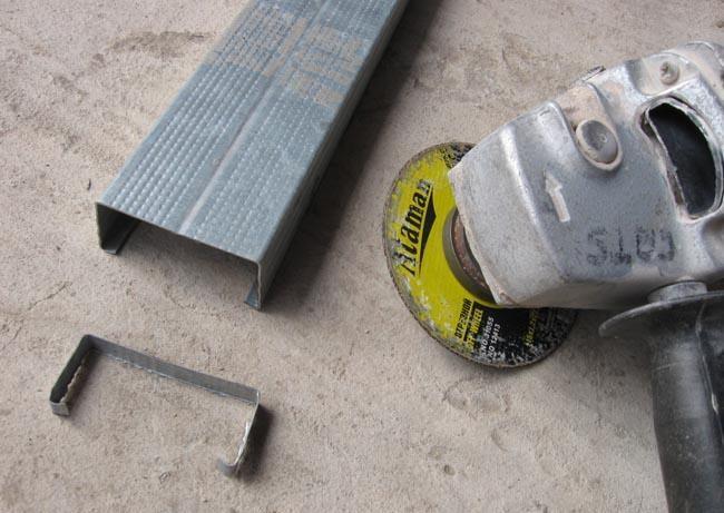 Болгарка режет тонкий металл быстро и без деформаций.