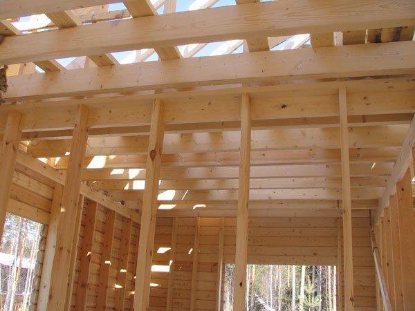 Деревянные перекрытия для потолка по строительному проекту - это балки и их ограждающие заполнения