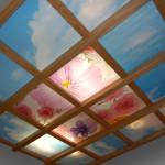 Деревянный потолок со стеклянными вставками