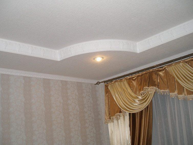 Декор в оформлении потолка в квартире