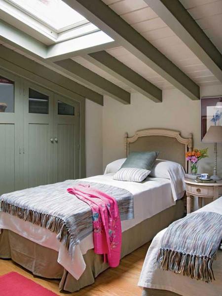 Потолок с балками в стиле Прованс
