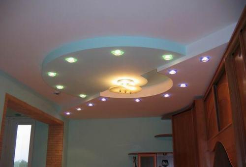 Дизайн потолка из гипсокартона для прихожей