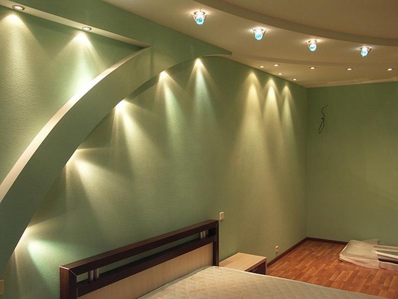 Необычный эффект от осветительных приборов, встроенных в гипсокартон