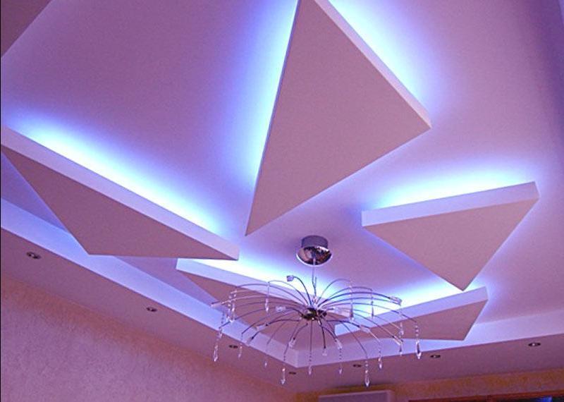 Действительно великолепный дизайн потолка в прихожей