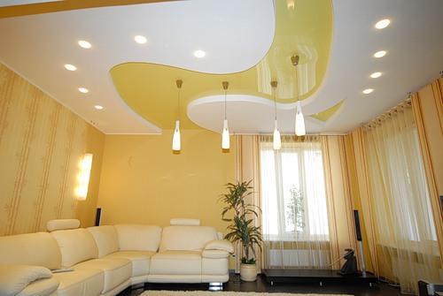 Современный и стильный дизайн потолочной поверхности – продолжение общей дизайнерской идеи всего помещения