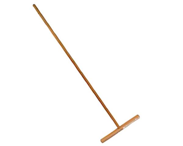 Длинная ручка швабры в данном случае сыграет в минус, а не в плюс