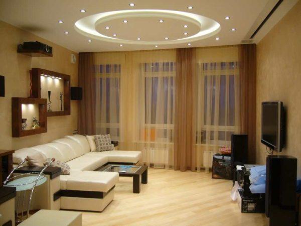 Для гостиной потребуется тоже достаточно яркое освещение