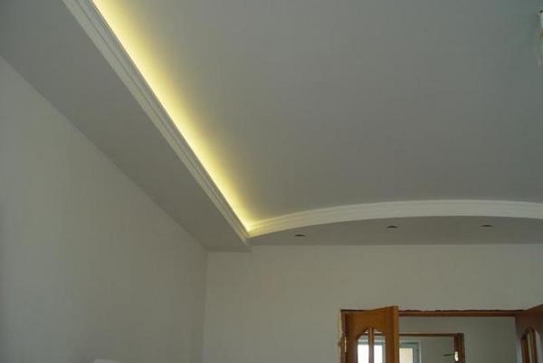 Двухуровневый потолок после всех проведенных работ