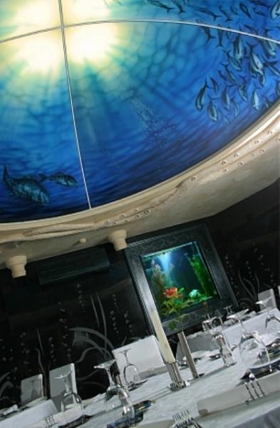 Эффектный купол потолка – полная имитация морских глубин