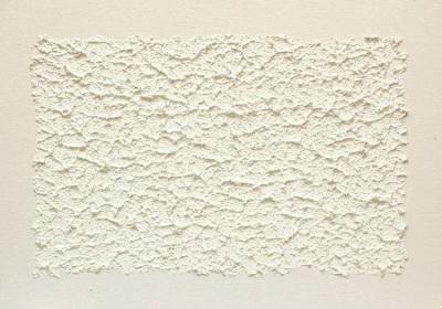 Эта рельефная поверхность выполнена с использованием фактурной краски.