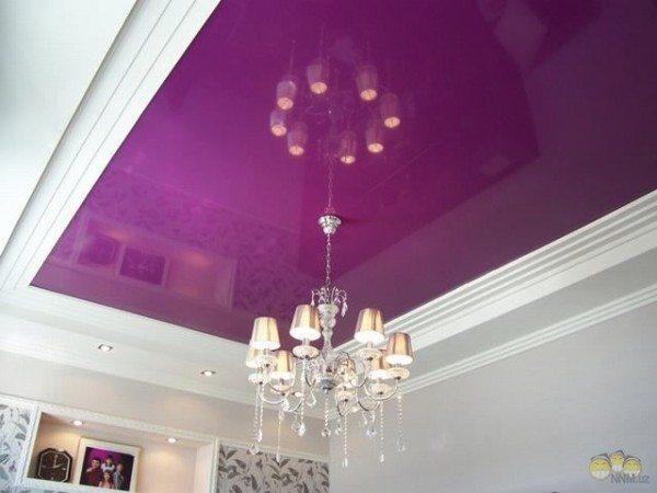 Фиолетовый потолок.