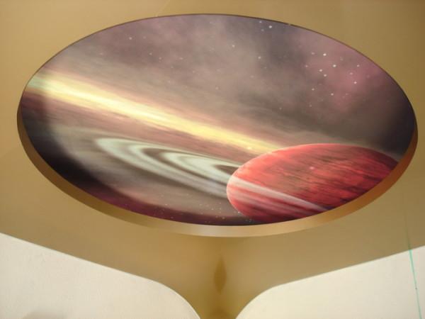 Фотообои космос на потолок