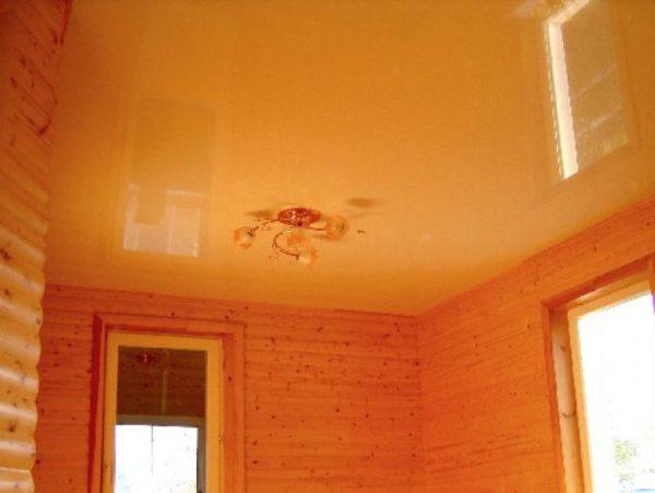 Глянцевый натяжной потолок под цвет стен