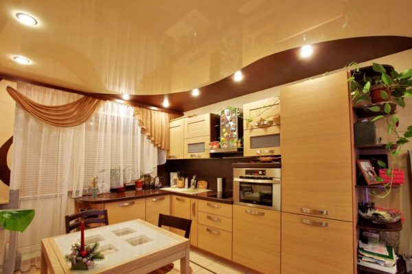 Готовка – ГКЛ, остальная кухня – натяжной потолок