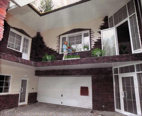 У звезды эстрады до недавнего времени была шикарная квартира в Майами, которую она продала. А потом она прикупила загородный дом в Испании, но доступ к этой части жизни она ограничила. Возможно, в скором времени репортёрам удастся лицезреть апартаменты Аллегровой.