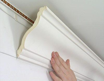 Можно ли клеить потолочную плитку на побелку?