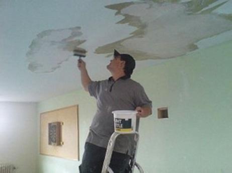Ремонт потолка после затопления