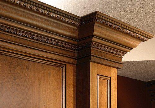 Плинтус из дерева благородных пород - элитный материал, требующий соответствующего обрамления
