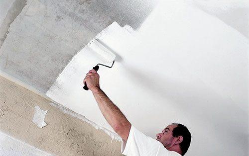 Учимся как красить потолок валиком