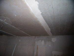 Маячные профили на потолке