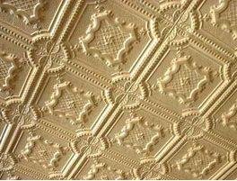Плитка как способ декорирования потолка