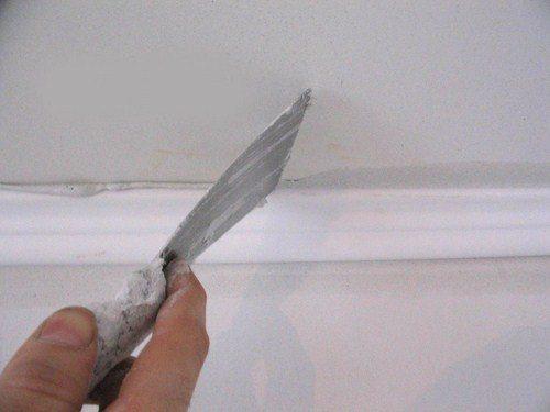 Наша задача - сделать потолок идеально ровным.