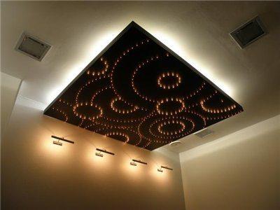 Двойная подсветка потолков светодиодной лентой и светодиодами на токопроводящей панели