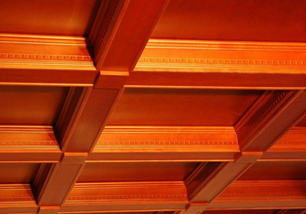 Наша цель - сделать потолок не только теплым и долговечным, но и красивым