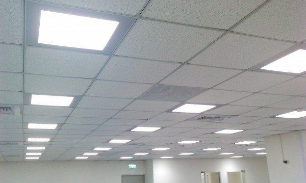 как установить светильник в подвесной потолок