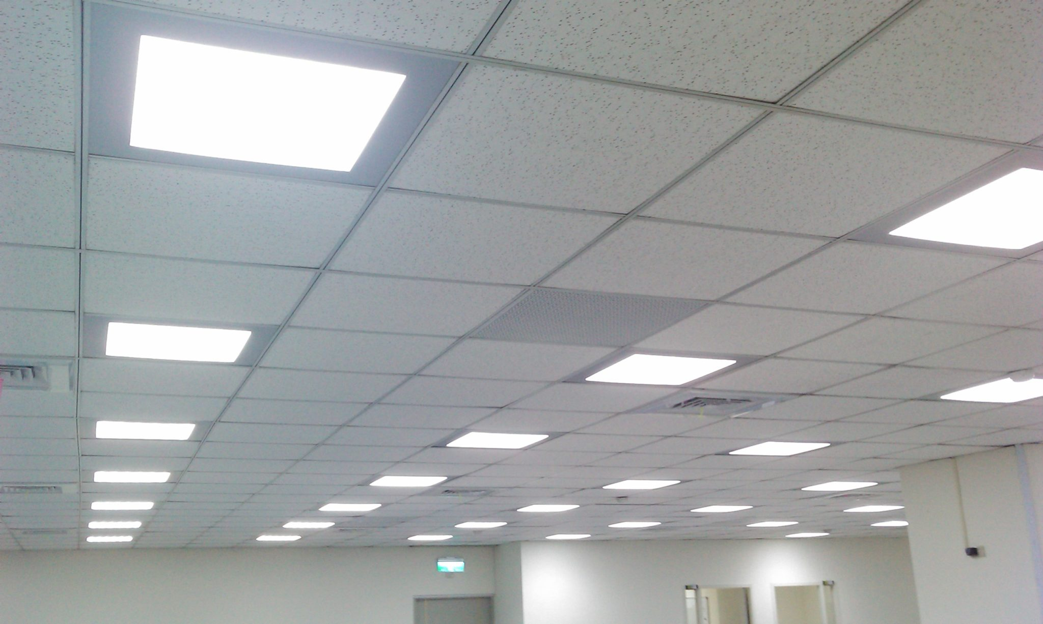 схема установки подвесного потолка из саидинга