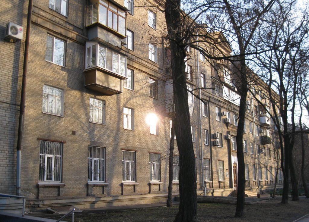Как видите, далеко не все квартиры снабжены лоджиями и балконами
