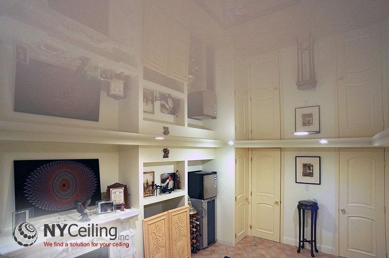 Натяжной потолок в частном доме - не только элемент декора, но и дополнительная пароизоляция.