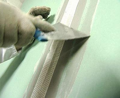 Заделка трещины при помощи малярной сетки