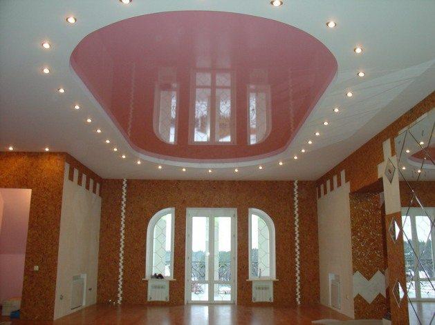 Натяжные потолки облагораживают общий вид помещения