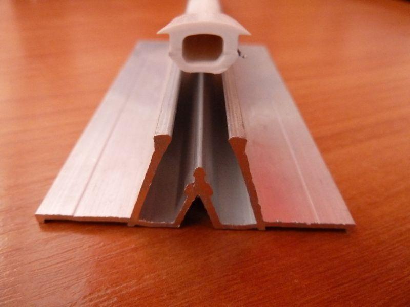 Разделительный потолочный багет для натяжных потолков