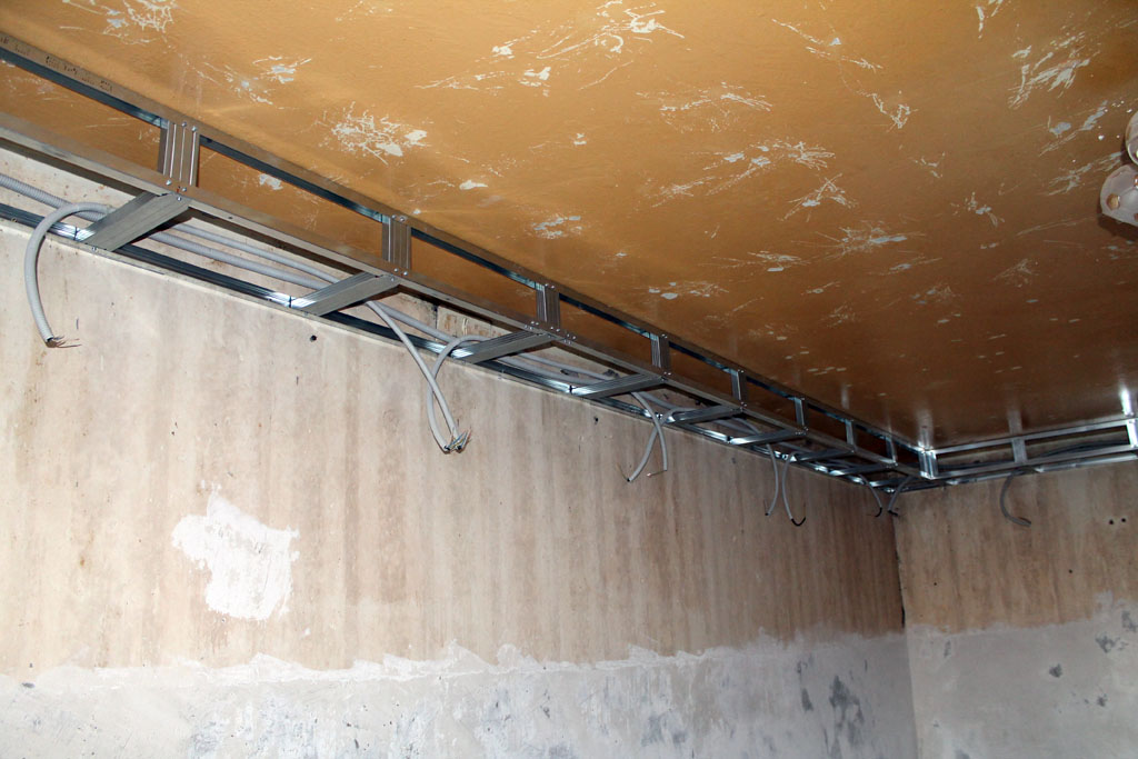 Как сделать каркас под потолок с подсветкой