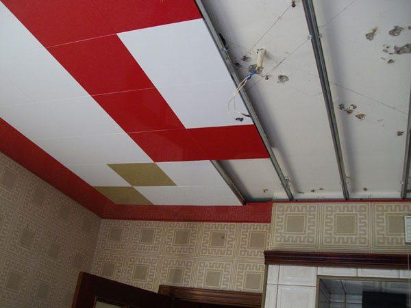 Французские потолки позволяют смонтировать каркас с минимальным зазором между ним и перекрытием.