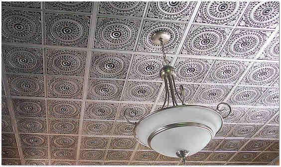 С этим способом отделки потолка нам предстоит познакомиться поближе.