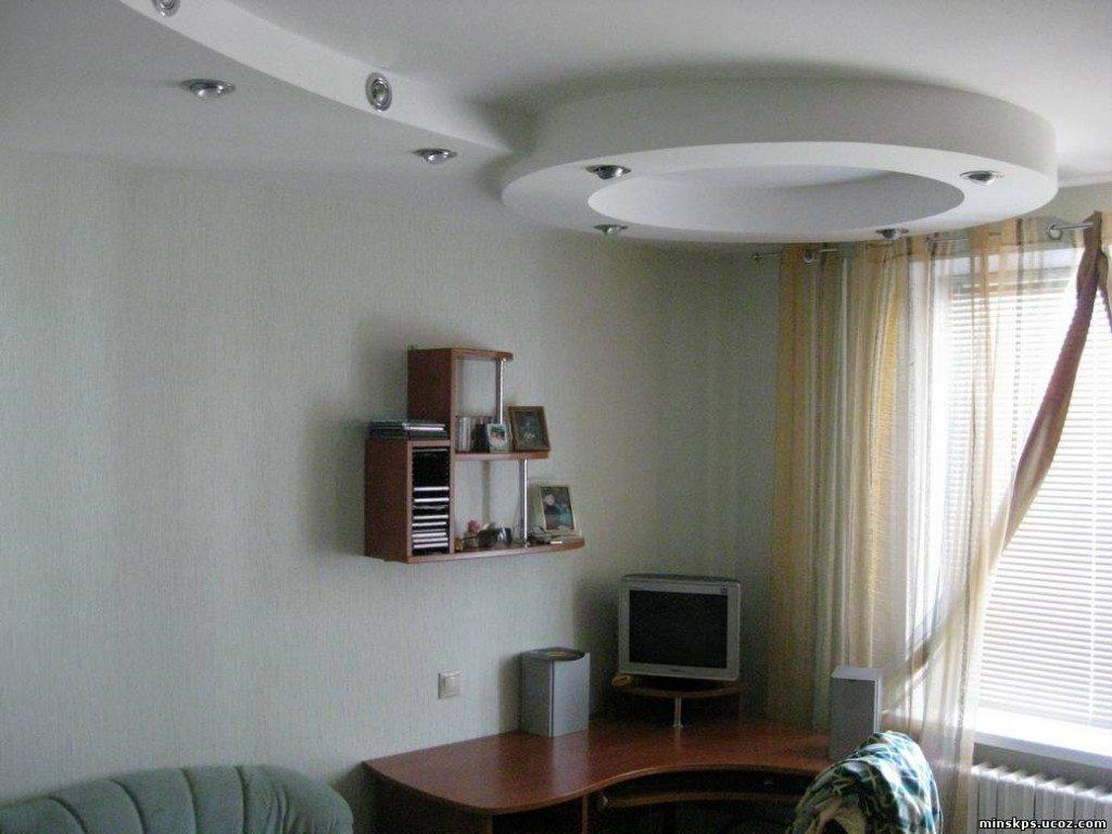 Такой потолок монтируется сложнее одноуровневого. Но результат стоит затраченных усилий