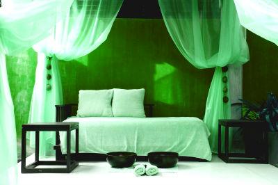 Полог над кроватью. Эффект, который изменит привычный взгляд на спальню