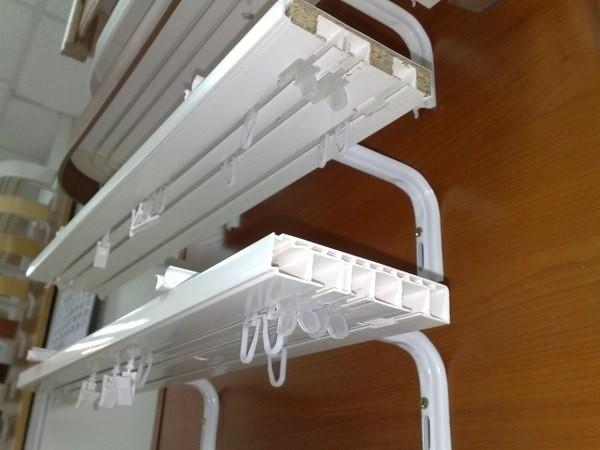 Модели распределяются по количеству рядов для крепления штор