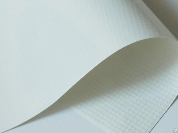 На фото – виниловая пленка для натяжного потолка
