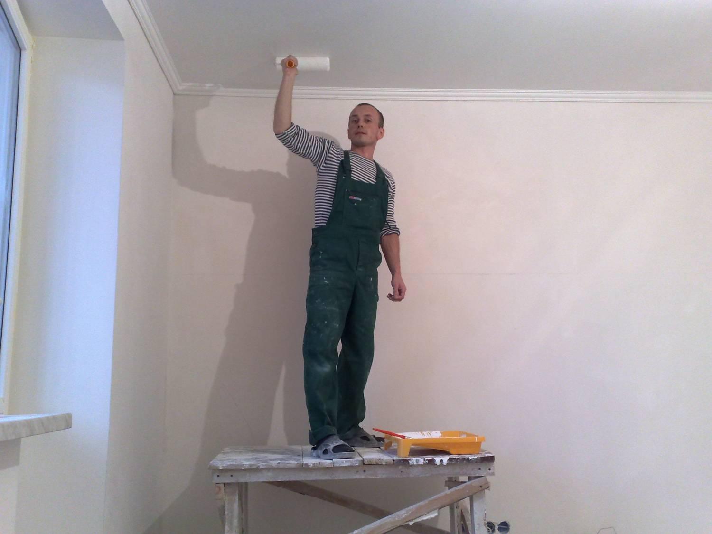 Покраска потолка краской своими руками