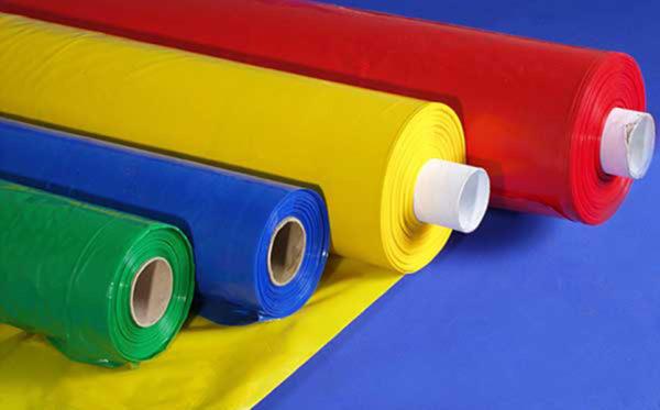 Натяжное покрытие делается из такой поливинилхлоридной пленки.