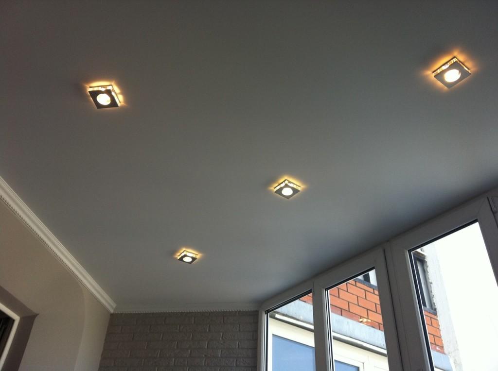 Натяжной потолок с матовой текстурой