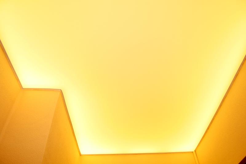 Альтернативный способ подсветки натяжного потолка